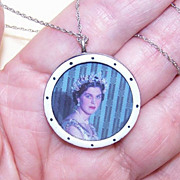 ANTIQUE EDWARDIAN Sterling Silver & Enamel Locket!