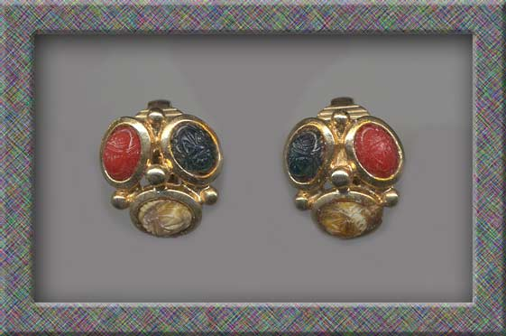 Prettiest Petite SCARAB Stone Vintage Clip Earrings