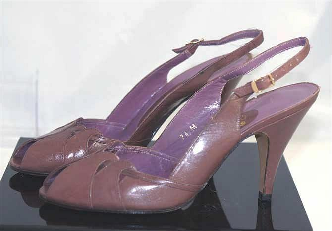 Vintage Scalloped Vamp Leather PEEP TOE Pumps~7 1/2 M, Made in Spain