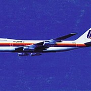 1975 United Airlines Boeing 747-100 Jumbo Jet Airplane Color Photo Postcard