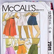 "McCall's #7511 Long & Leggy Culottes Or Shorts Pattern~Size 12/ Waist 26 1/2""~UNCUT, 1981"