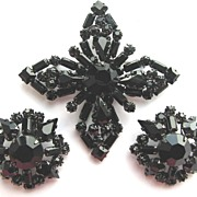 SOLD Dramatic SCHREINER Black Rhinestones Pin & Earrings!