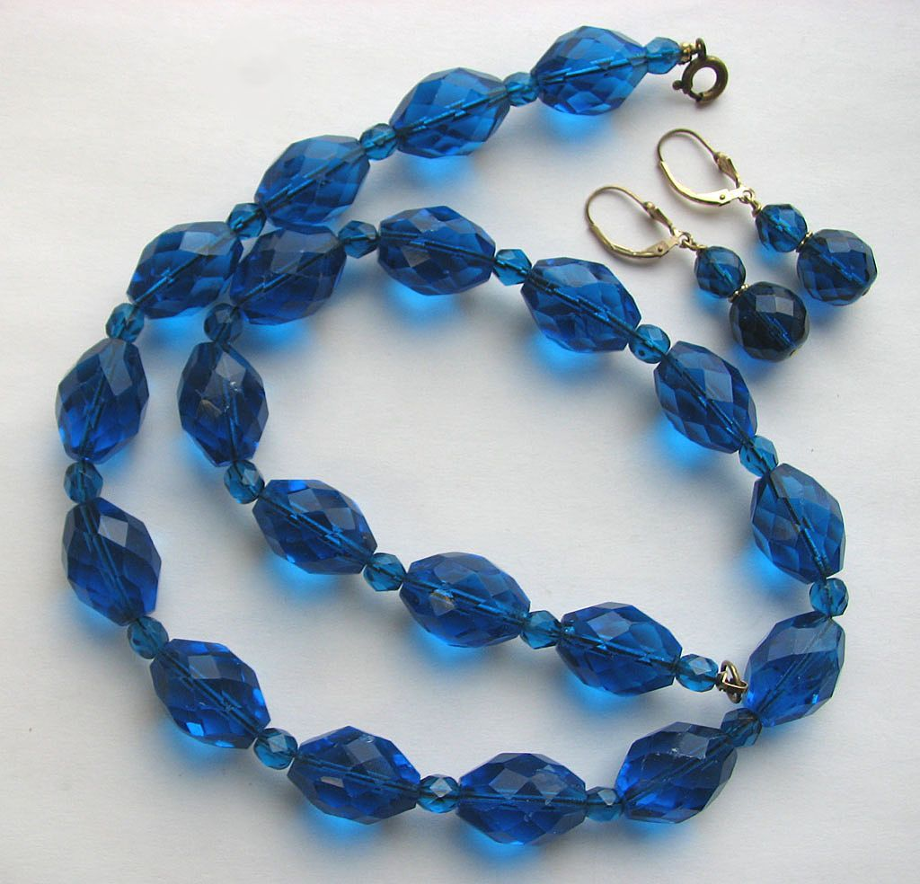 Beautiful Faceted Teal Blue Glass Beads Necklace with Earrings!