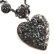 Fantastic 1940s HOBE Sterling Silver Heart & Roses Necklace!