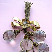 1930s Faceted Glass Beads Floral Pin