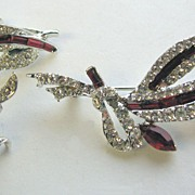 SALE Pretty Diamante and Red Rhinestones Pin & Earrings!