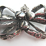 Lovely HOBE Sterling 1940s Double Bow Floral Pin!
