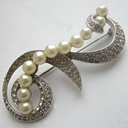 MARVELLA Swirling Rhinestones & Faux Pearls Pin