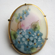 VICTORIAN Hand Painted Porcelain Flowers Forget-Me-Nots Pin