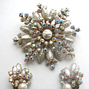 Rhinestones Pin & Earrings Set Faux Pearls & Aurora Borealis