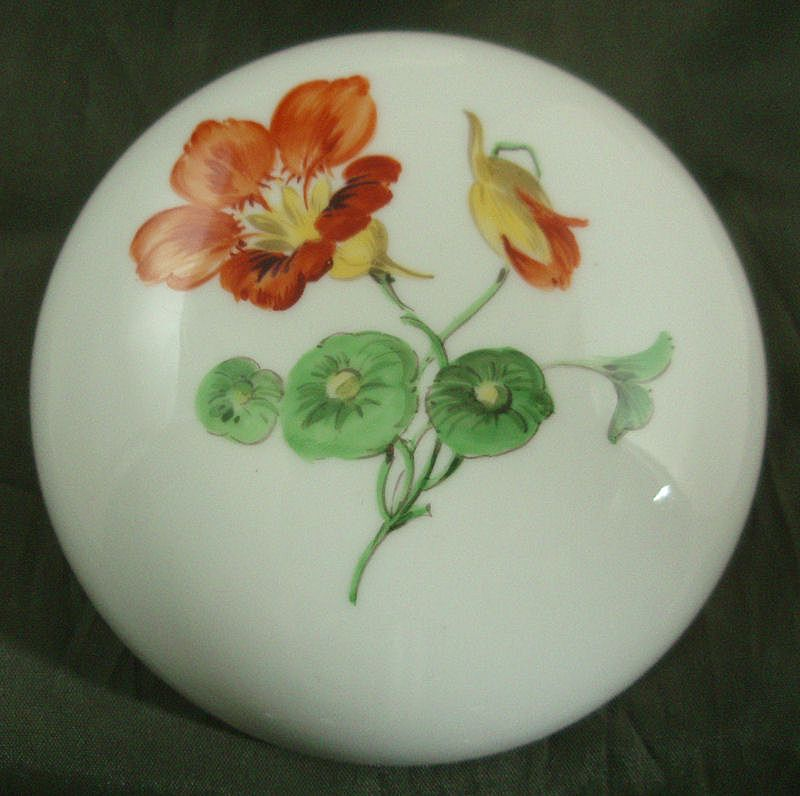 Meissen Round Box with Hand-Painted Nasturtiums