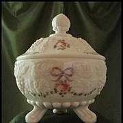 Westmoreland Paneled Grape Three-Toed Candy Dish Roses & Bows Decoration