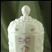 Westmoreland Paneled Grape Roses & Bows Jar