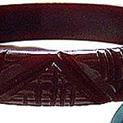Deep Carved Cocoa Brown Bakelite Bangle