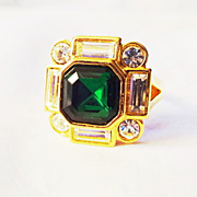 "Avon Signed ""Bold Treasurers"" Ring ~ Size 10 ~ large faux emerald surrounded by rhin"