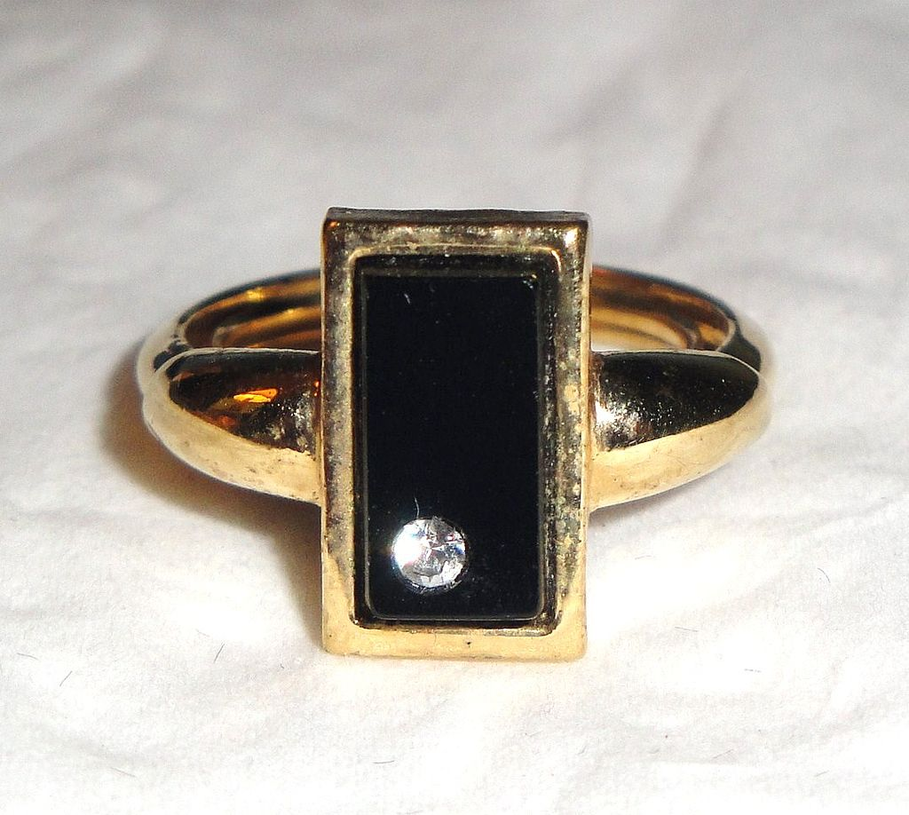 Signed Vintage Avon &quot;Delmonico Collection&quot; Ring ~ Size 4-5 ~ simulated onyx with rhinestone accent in gold-tone