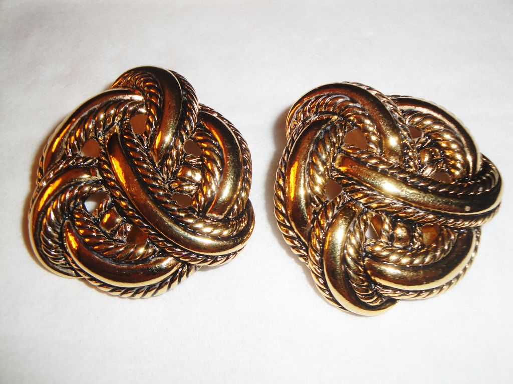 Vintage Gold-tone Ribbon Clip Earrings