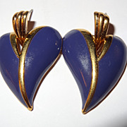 SALE REDUCED Vintage Signed JS Purple Dangle Heart Shaped Pierced Earrings in Gold-tone