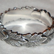 "SOLD Vintage Signed Avon 1979 ""Laurel Leaf Ring"" ~ Size 6-7 ~ silver-tone band of le"