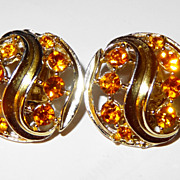 SALE Vintage Lisner Amber Stones in Swirl of Light Gold-tone Clip Earrings