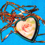 SALE Vintage Avon &quot;Porcelain Heart Locket&quot; Necklace