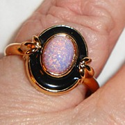 REDUCED Vintage Signed Avon 1992 ��Pink Opalescence� Ring ~ Size 10 ~ faux opal surrounded by