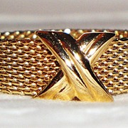 "SALE Vintage Avon ""Silk Weave"" Ring ~ Size 6 ~ flexible gold-tone band with crossed"