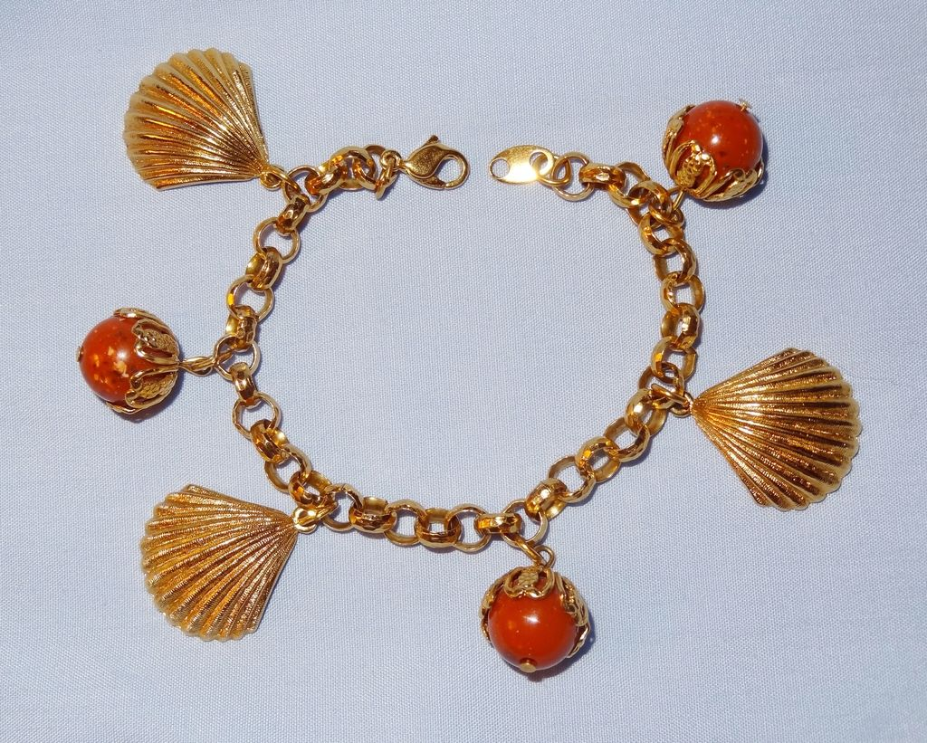 Vintage Signed Avon Sea Shell Bracelet