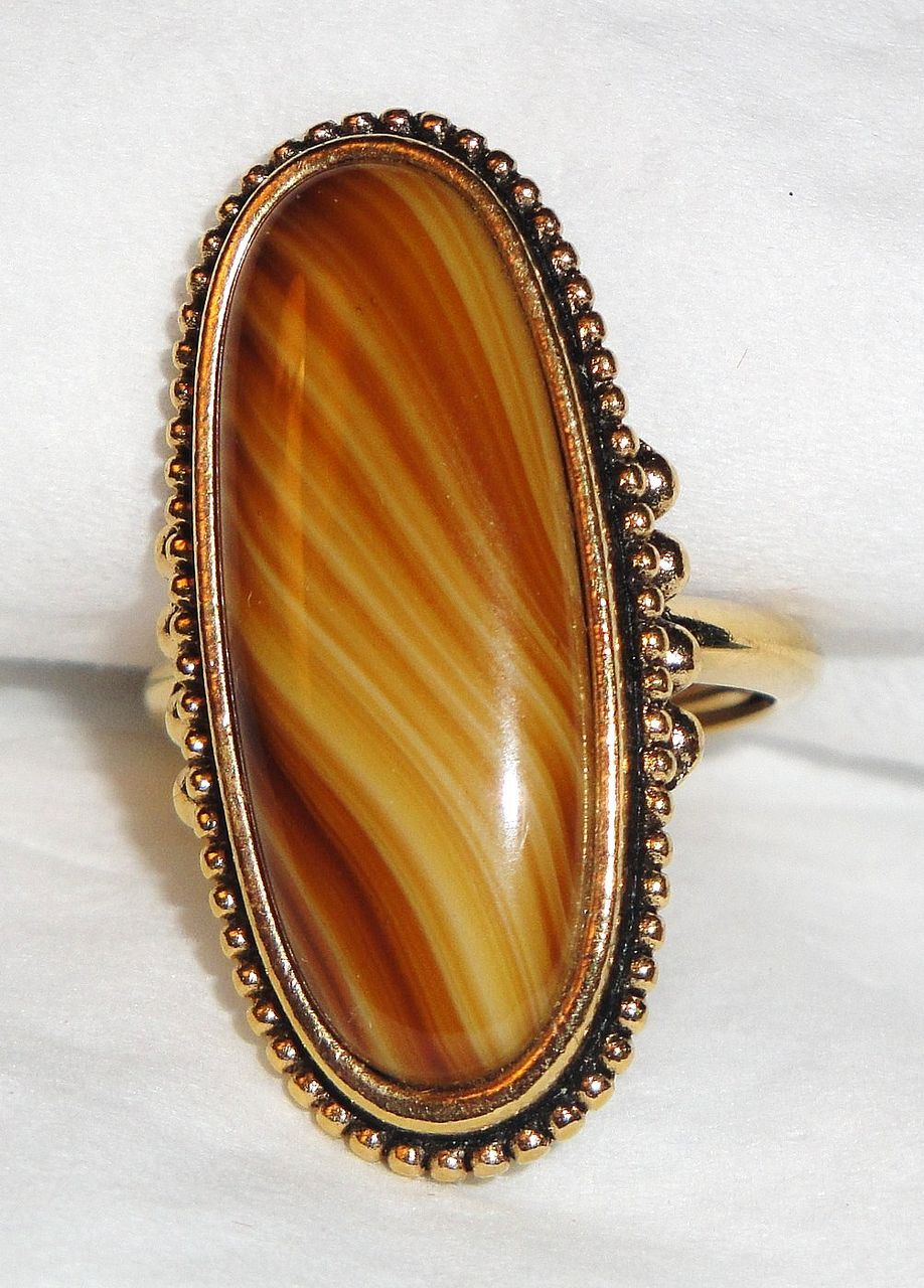 Signed Vintage Avon &quot;Shimmering Sands Ring&quot; ~ Size 7 1/2 ~ agate striated in sand shades ~ no 2 alike