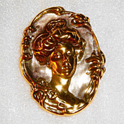 SALE Vintage Avon 1991 Victorian Elegance Pin ~ gold-tone portrait of woman