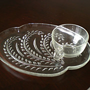 Federal Glass 50's  Homestead Snack Trays and Cups - Set of 4