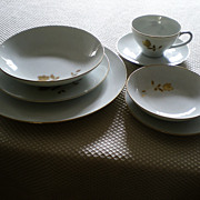 Noritake China Tudor Rose #6658 Seven Piece Place Setting