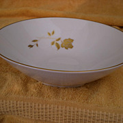 Noritake China Tudor Rose #6658 Round  Vegetable Serving Dish