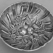 Repousse Kirk Bon-Bon Bowl Footed 430 No Monograms Sterling Silver