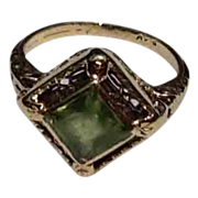Art Deco 14K Gold Filigree Peridot Ring