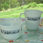 Pyrex:  Old Town Sugar and Creamer Set