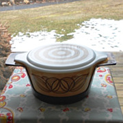 Pyrex Brown Onion Casserole with Lucite Cradle