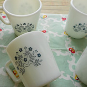 Pyrex: Blueberry Summer Impressions Mugs - Set of Four