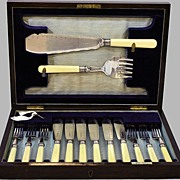 Fish Serving Set Sheffield Silver,Bone Handles