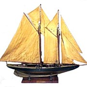 Antique Ship Model : The Blue Nose
