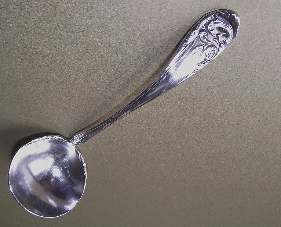 Flower de Luce Pattern aka Fleur de Luce by Community Cream Ladle