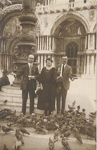 Tourist in Venice @ St Marks with Pigeons Real Photo Post Card C.1900