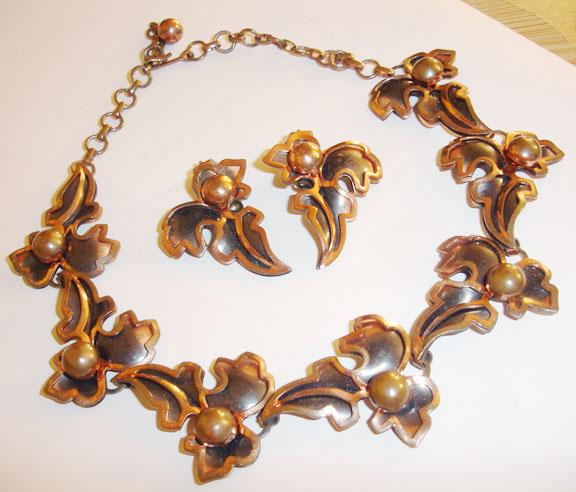 Beguiling Copper Leafy Necklace and Earring Demi