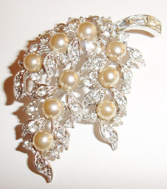 Bogoff rhinestone and imitation pearl brooch from for Bogoff vintage costume jewelry