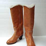 Genuine Leather Boots.  Faux sheepskin lined.  Ladies / Teens  Size 5. 1980�s. Bootleggers.  M