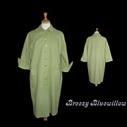 Green Travelaire Early 1960's Ladies Coat Fashioned by Dumas