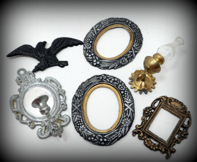 Vintage Dollhouse Miniatures Frames, Sconces Wall Décor Doll House ...