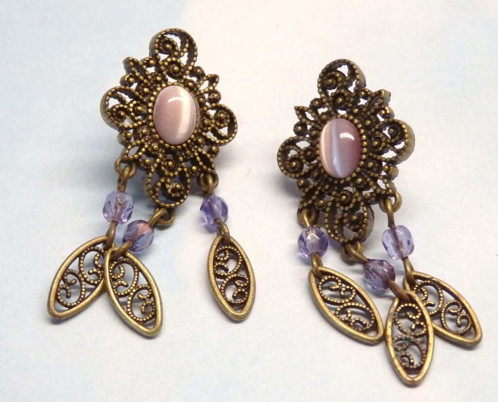 Vintage Lavender Cats Eye Dangling Filigree Crystal  Earrings