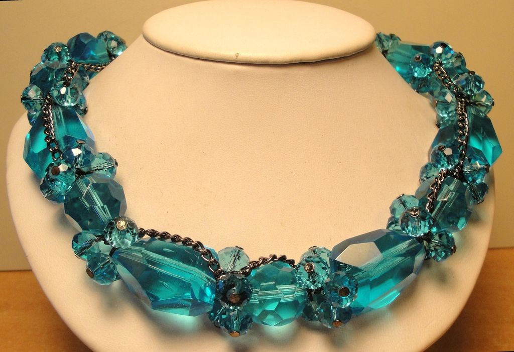 Stunning Vintage Chunky Aqua Blue Bead Necklace.