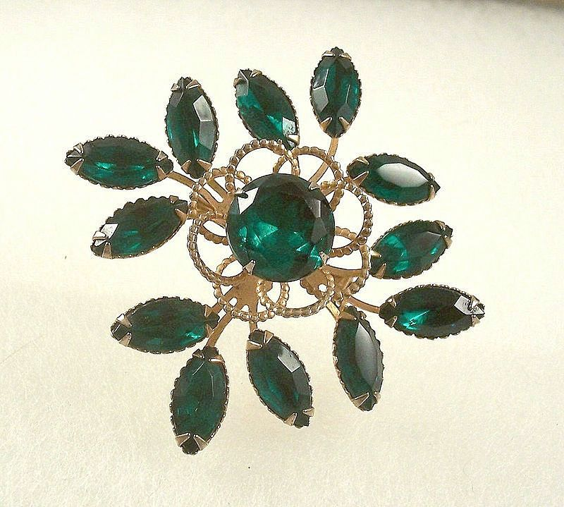Stunning Vintage Layered  Green Rhinestone Brooch